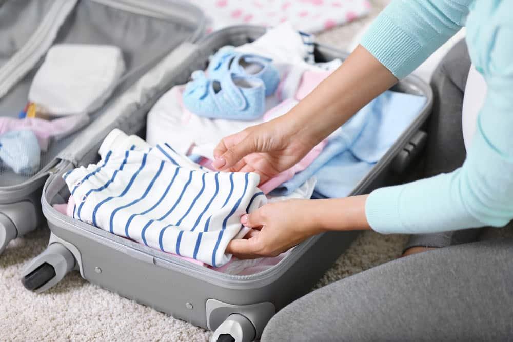 Que faut-il amener dans sa valise avec un bébé ?
